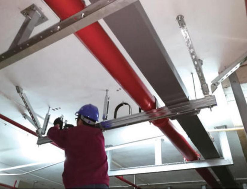 综合管廊抗震支架安装场景图片