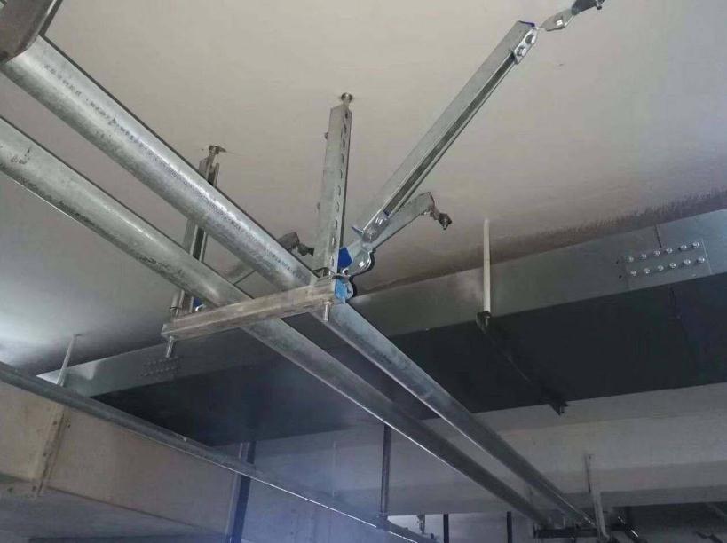 地下室安装抗震支架实拍图片